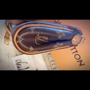 Louis Vuitton Bags - 💯 Authentic Pochette Friendly 2-Way bag.💗❤️